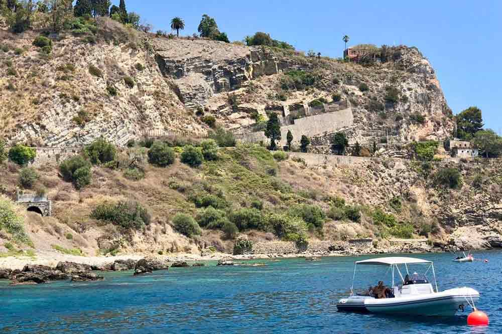 Boat trip along the Ragusa coast-image-5