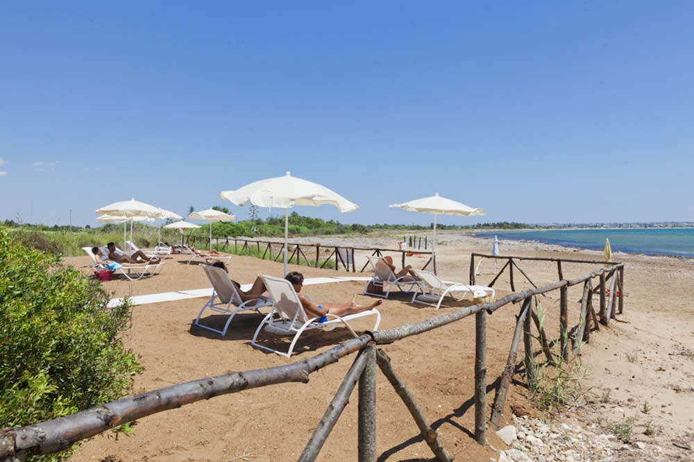 An exclusive seashore with a private beach between Ragusa and Syracuse-image-4