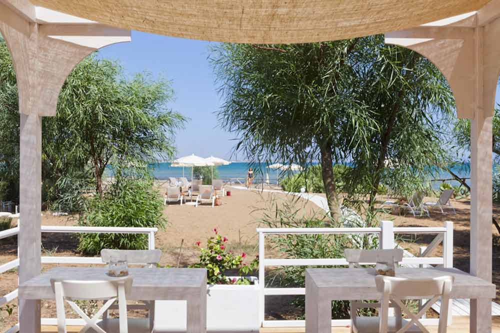 An exclusive seashore with a private beach between Ragusa and Syracuse-image-5
