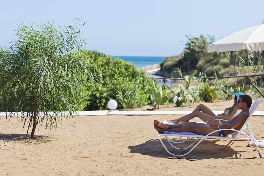 An exclusive seashore with a private beach between Ragusa and Syracuse-image-6