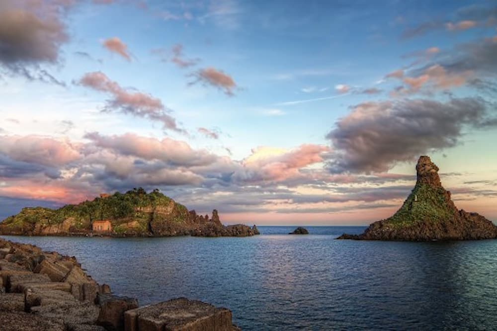 Boat excursion towards the sea stacks in Aci Castello and Acitrezza-image-6