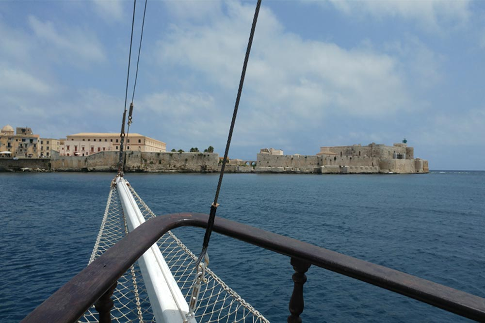 Boat excursion to Ortygia on a caique to discover the Syracuse coast-image-5
