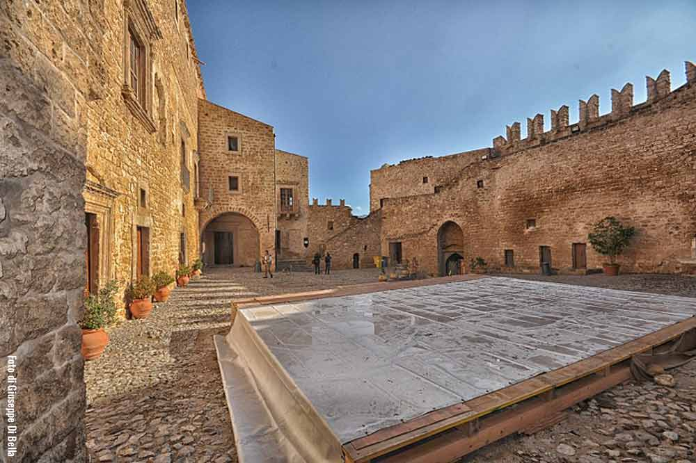 A guided tour of the Carini Castle and the catacombs close to Palermo-image-5
