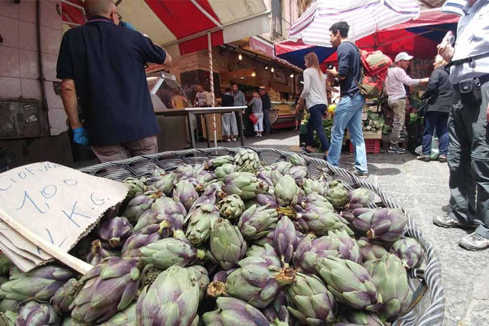 Street Food Tour in Catania including a visit to the old town and the fish market-image-7