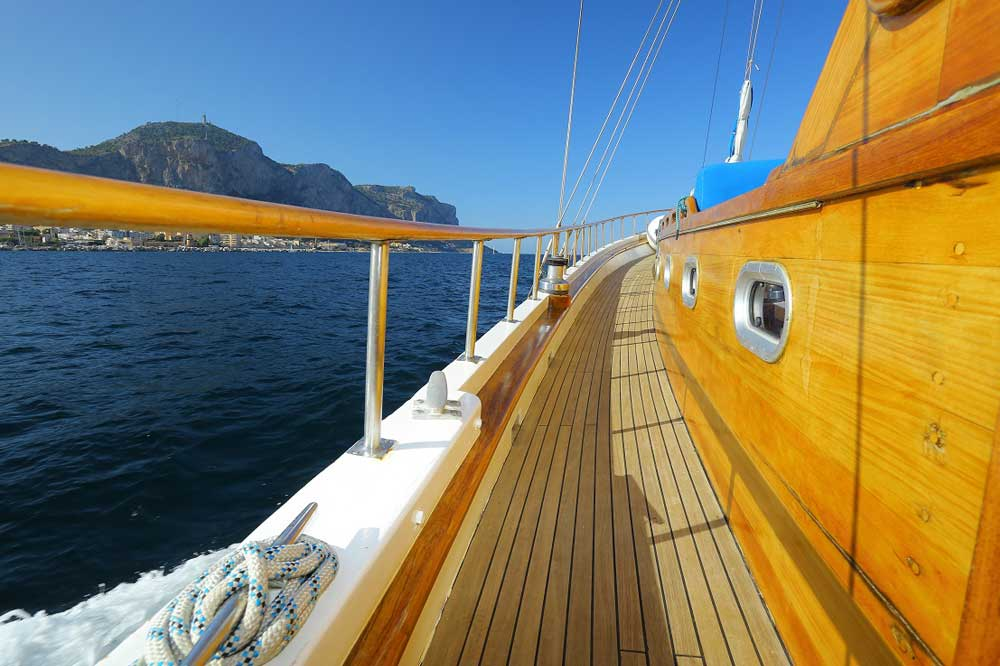 Boat cruise to the Aeolian Islands-image-8