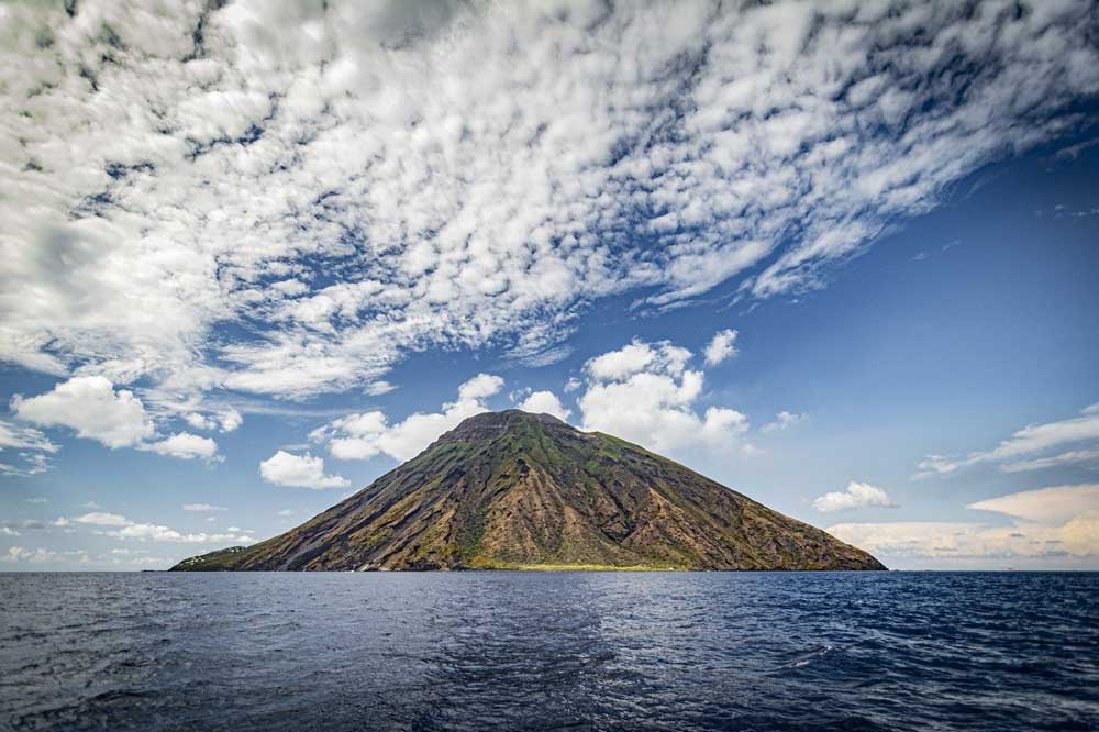 Boat excursion to the Aeolian Islands and trekking experience in Stromboli-image-4