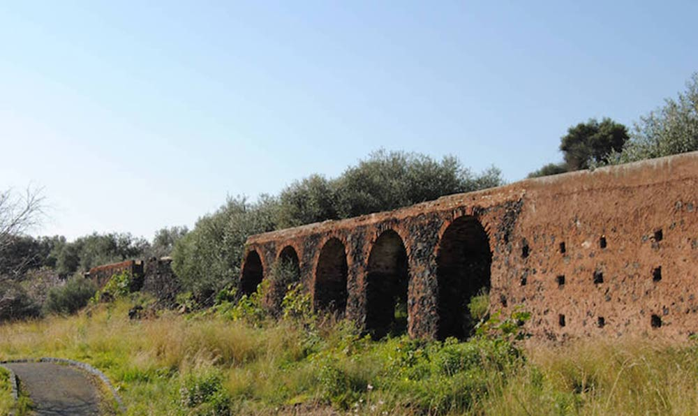 Trekking and history at the Simeto Oasis in the province of Catania-image-9