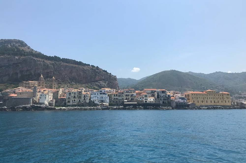 A boat trip to Cefalù on a quest for grottoes and coves-image-6