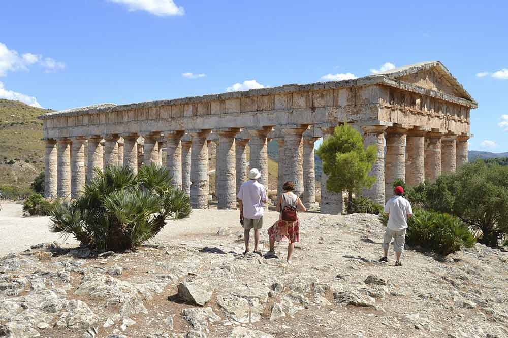 Guided tour of Segesta to discover its Temple and the Greek Theatre-image-4