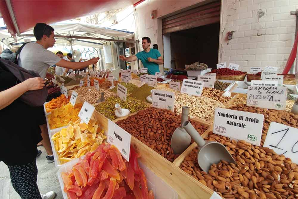Street Food tour of Ortigia market among the most historic quarters in Syracuse-image-4